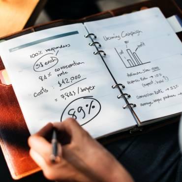 Terminis per emetre factura rectificativa per IVA reportat a l'excés