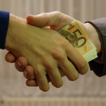 ¿Cuánto tarda una transferencia bancaria?