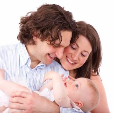 Hisenda retornarà l'IRPF de les prestacions de maternitat i paternitat encara que existeixi sentència ferma desestimatòria
