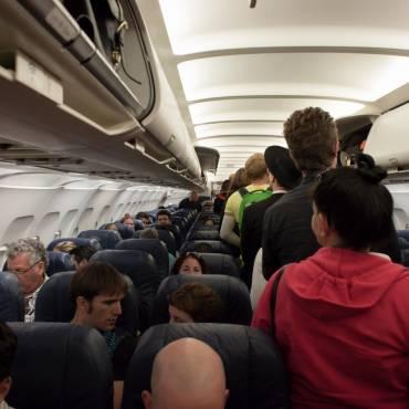 Coneix els seus drets quan viatja amb avió?