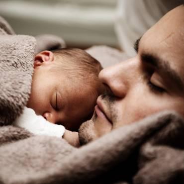 Desde enero de 2021 se amplía el permiso de paternidad a 16 semanas