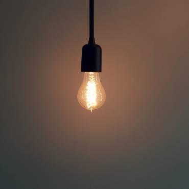 Noves mesures fiscals per a frenar el preu de la llum